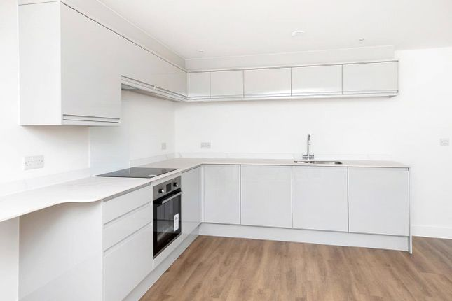 Thumbnail Flat for sale in Chaucer Grove, Exeter
