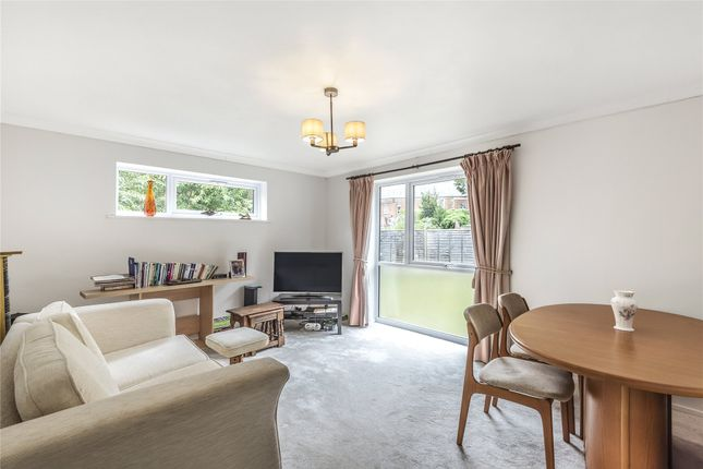 Living Room of Epping Close, Reading, Berkshire RG1