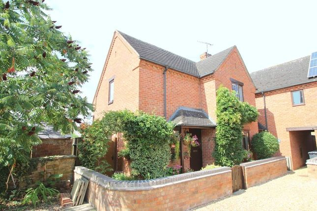 Thumbnail Mews house for sale in Magdalen Court, Friday Street, Lower Quinton