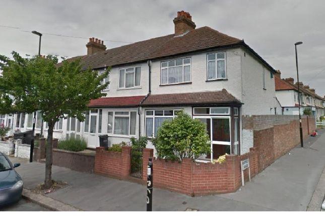 Thumbnail Terraced house to rent in Harcourt Road, Thornton Heath, Croydon