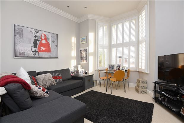Thumbnail Flat for sale in Balham Grove, Balham
