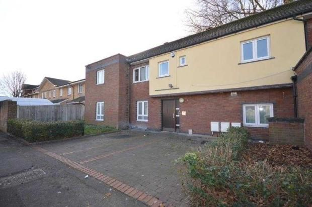 Thumbnail Flat to rent in Alnwick Road, London