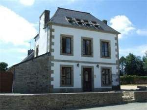 8 bed town house for sale in 29640 Bolazec, France