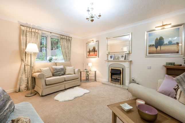 2 bed property for sale in 10 Foxley Lane, Purley CR8