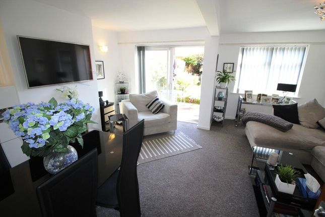 3 bed terraced house to rent in Crosby Road, Birkdale, Southport PR8