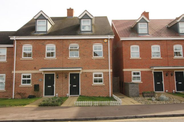 Thumbnail End terrace house to rent in London Road, Welwyn