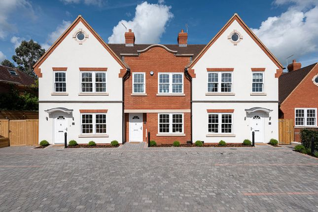 Thumbnail End terrace house for sale in Kingsway, Chalfont St. Peter, Gerrards Cross, Buckinghamshire