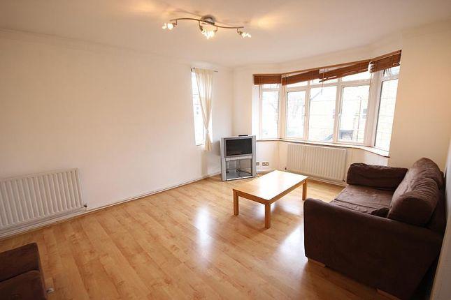Flat to rent in Hastings House, Hastings Road, West Ealing, London