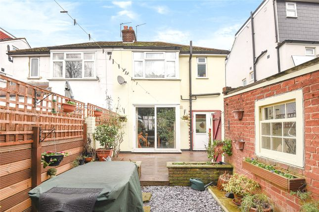 Picture No. 09 of Eskdale Avenue, Northolt, Middlesex UB5