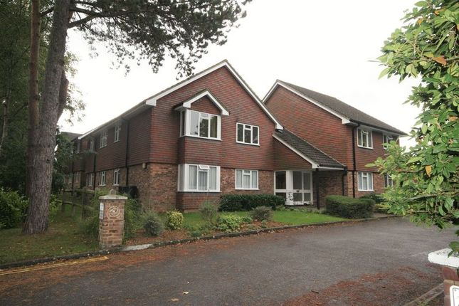 1 bed flat to rent in Trimmers Field, Farnham