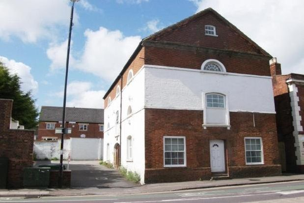 Thumbnail Flat to rent in Old Road, Leighton Buzzard