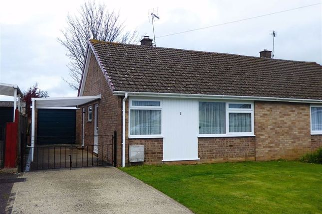 2 bed semi-detached bungalow to rent in Stonelea, Dursley GL11