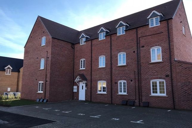 Thumbnail Flat for sale in Catterick Road, Bicester