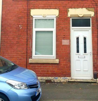 Thumbnail Flat to rent in Kilnhurst Road, Rawmarsh, Rotherham