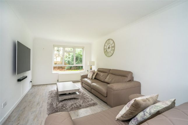 Picture No. 30 of Howton Place, Bushey Heath WD23