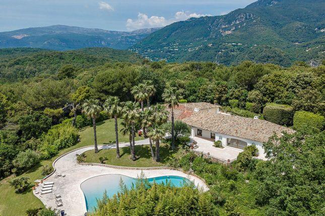 Thumbnail Villa for sale in Roquefort-Les-Pins, 06330, France