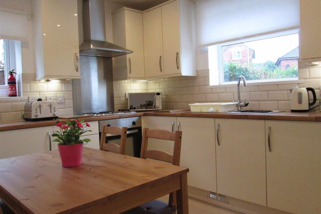 Thumbnail Terraced house to rent in Wyther Park Hill, Leeds, West Yorkshire