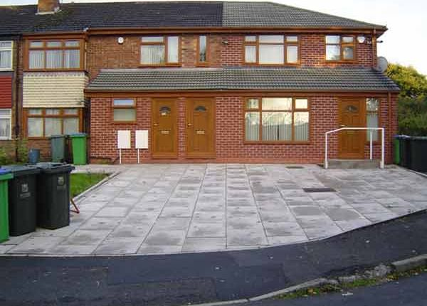 Thumbnail Flat to rent in Queens Drive, Castleton Rochdale