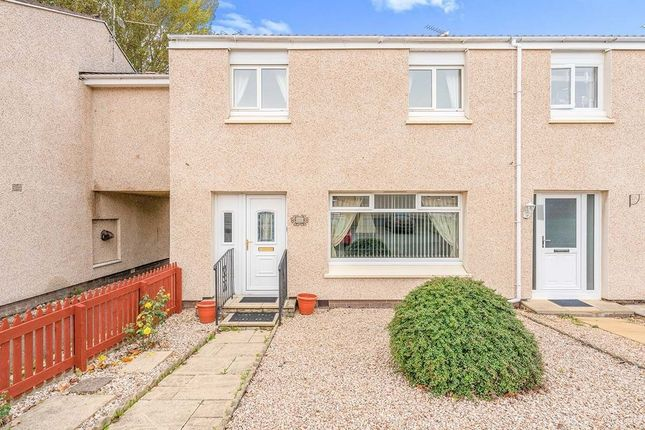 3 bed terraced house to rent in Mathieson Place, Dunfermline KY11