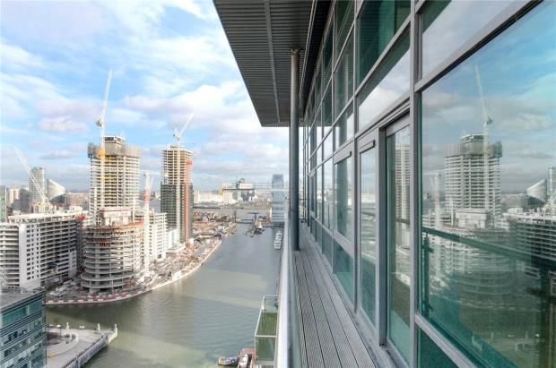 Thumbnail Flat for sale in Discovery Dock Apartments, 3 South Quay Square