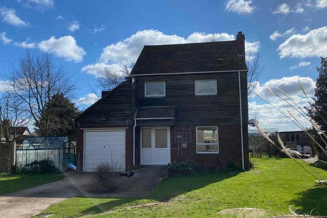 Thumbnail Detached house to rent in Radfield Farm, London Road, Teynham, Kent