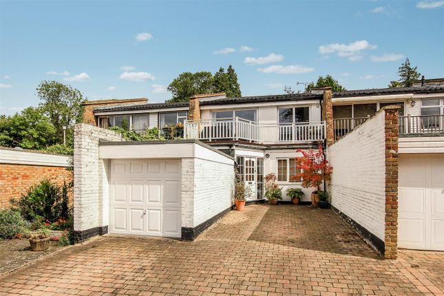 Thumbnail Property for sale in Beech Hill Court, Berkhamsted
