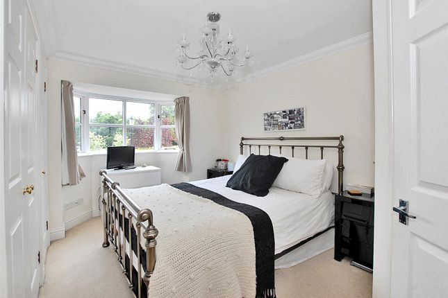 Highres1758384 of Hayward Road, Thames Ditton KT7