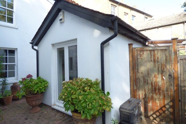 Thumbnail Bungalow to rent in Paragon Place, Berrylands, Surbiton