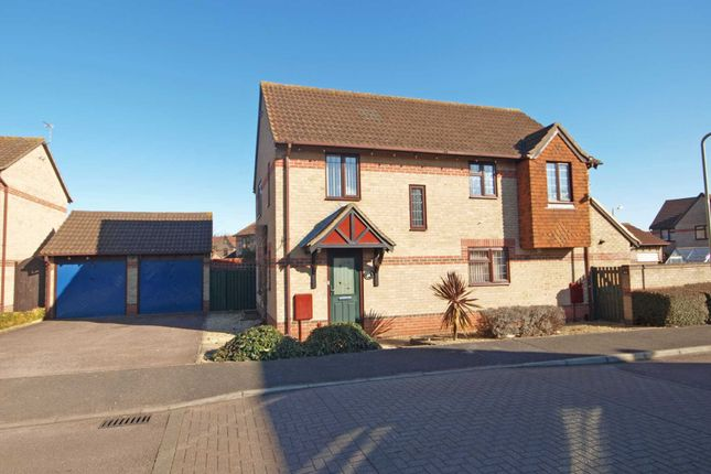 4 bed detached house for sale in Mulberry Drive, Bicester