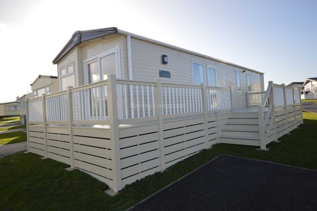 Thumbnail Mobile/park home for sale in Harts Holiday Park, Leysdown Road, Leysdown On Sea, Isle Of Sheppey