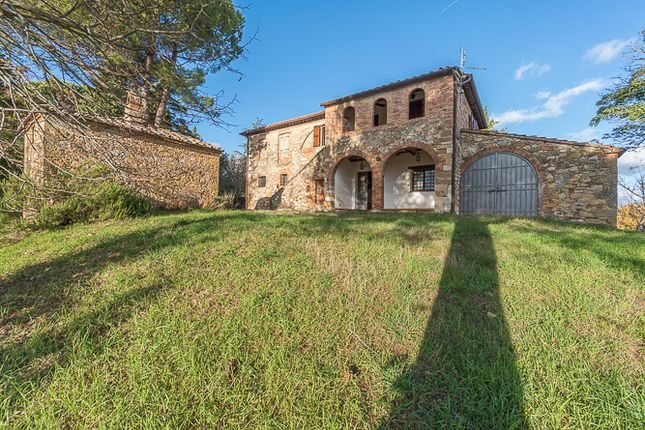 Thumbnail Country house for sale in Montefollonico, Montepulciano, Siena, Tuscany, Italy