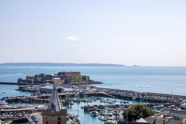 Thumbnail Flat for sale in Clifton, St. Peter Port, Guernsey
