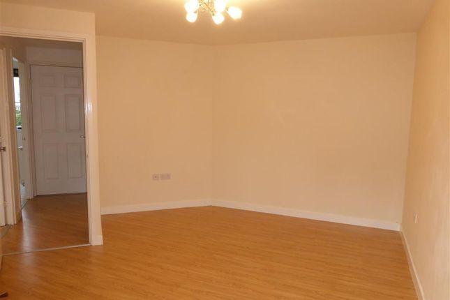 Living Room of Deer Way, Horsham RH12