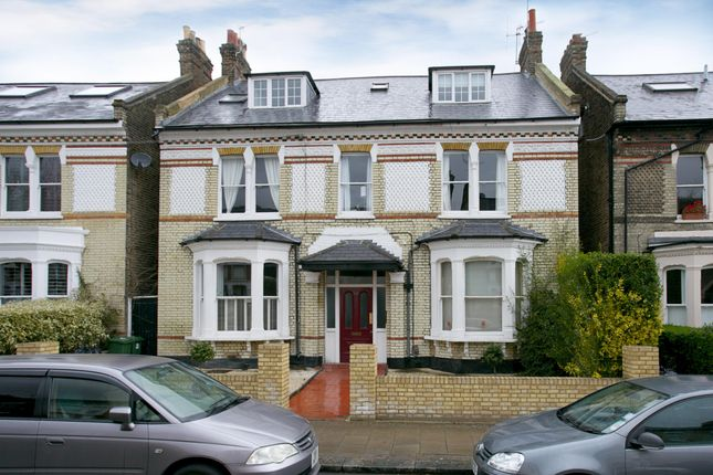 1 bed flat to rent in Balham Park Road, London
