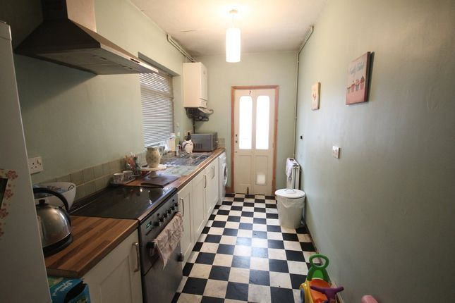 Thumbnail Terraced house for sale in Haddenham Road, Leicester