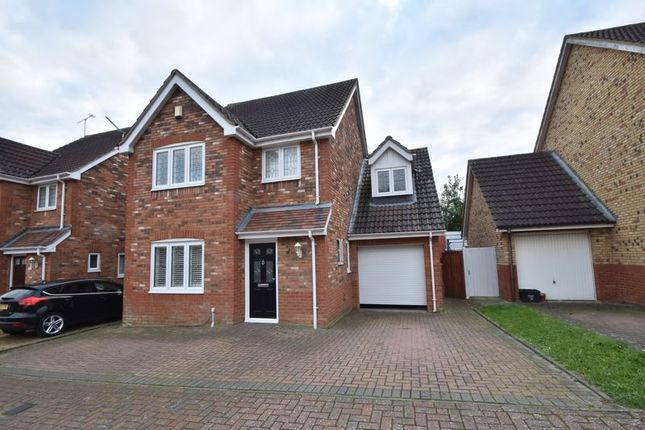 4 bed detached house for sale in Brompton Gardens, Luton LU3