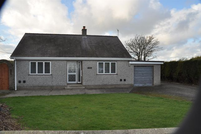 Thumbnail Property to rent in Llanynghenedl, Holyhead