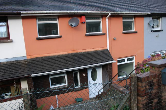 3 bed terraced house to rent in Mountain View, Tonypandy CF40