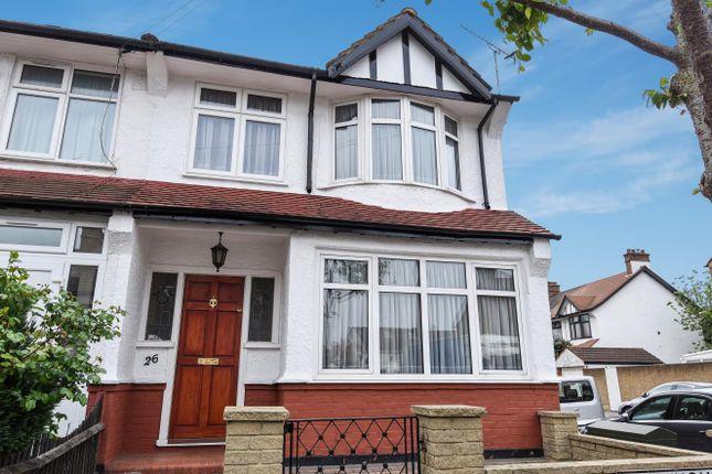 Thumbnail Flat to rent in Warlingham Road, Thornton Heath