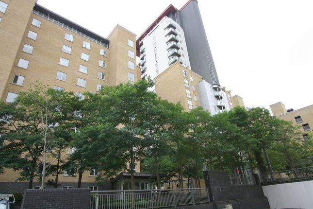 Thumbnail Flat to rent in Naxos Building, Hutchings Street, Canary Wharf, London