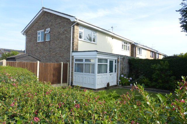 Thumbnail Semi-detached house to rent in Half Moon, Gorleston, Great Yarmouth
