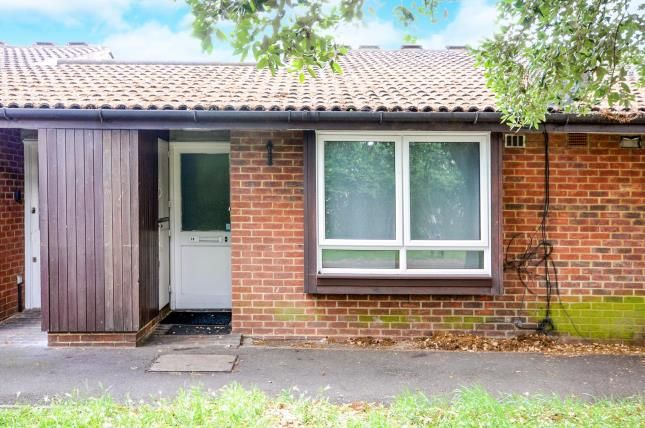 Thumbnail Bungalow for sale in Freemasons Road, Croydon