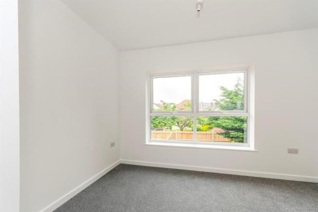 Bedroom 1 of Wimpson Gardens, Southampton SO16