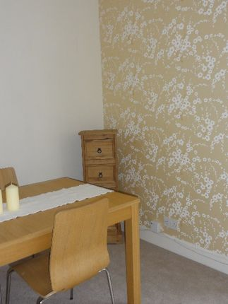 2 bed semi-detached house to rent in Dalratho Road, Grangemouth, Falkirk FK3