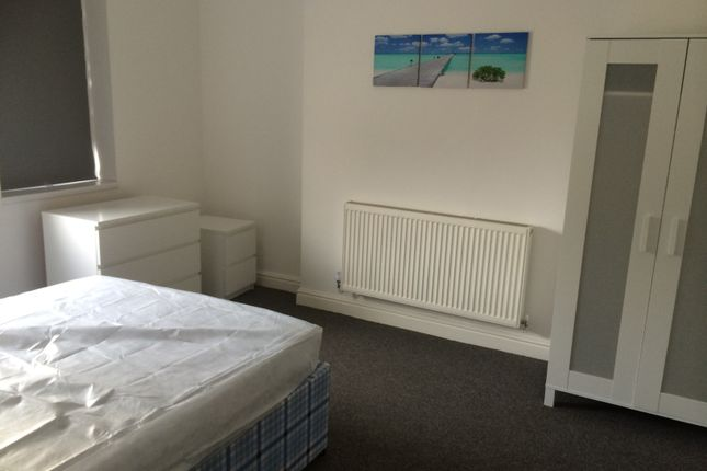 Room to rent in North Road, St. Helens WA10