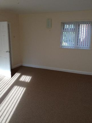 Thumbnail Flat to rent in Morton Court, Hillmorton, Rugby