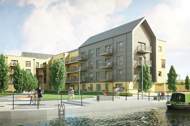 Thumbnail Flat for sale in Hazlemere Marina, Waltham Abbey