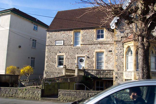 2 bed flat to rent in Victoria Quadrant, Weston-Super-Mare