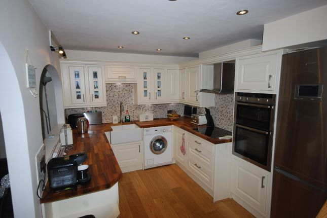 Thumbnail Cottage for sale in Oxford Road, St Helier