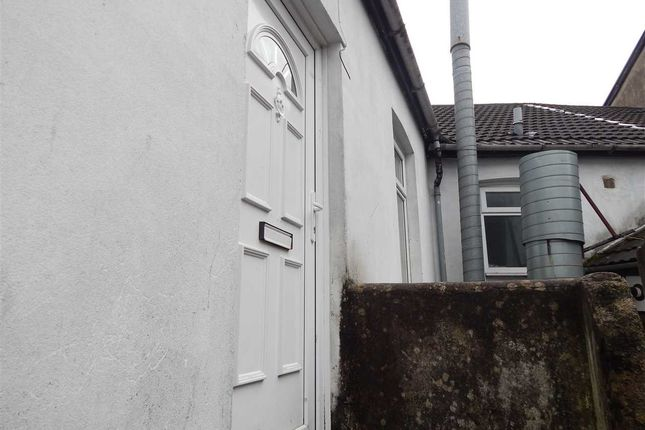 Thumbnail Flat to rent in Hannah Street, Porth